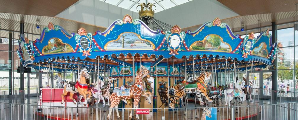 Universal CC, Carousel (1)